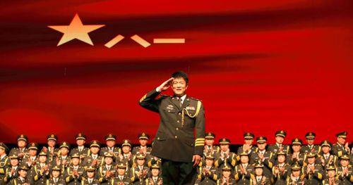 迎风飘扬的旗歌词-迎风飘扬的旗LRC歌词-总政合唱团